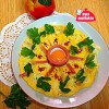 Aşçı Mutfakta Salamlı Peynirli Omlet