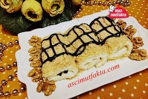 Aşçı Mutfakta Bisküvili Sütlü Rulo ( Salepli )