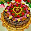 Aşçı Mutfakta Bisküvili Doğum Günü Pastası