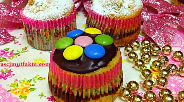 Aşçı Mutfakta Frambuazlı Bonibonlu Muffin