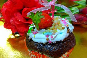 Aşçı Mutfakta Islak Cupcake Tarifi
