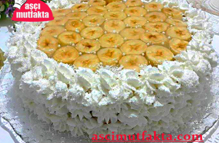Aşçı Mutfakta Muzlu Sünger Pasta Tarifi